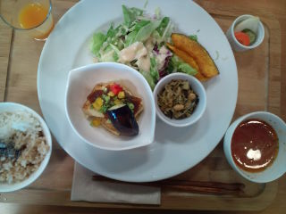 100831_lunch.jpg
